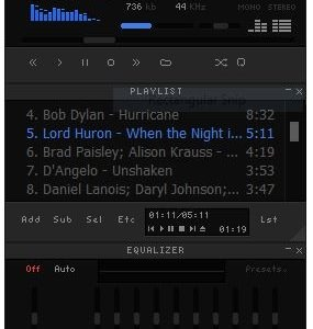 Qmmp is a freeware music player that looks like Winamp